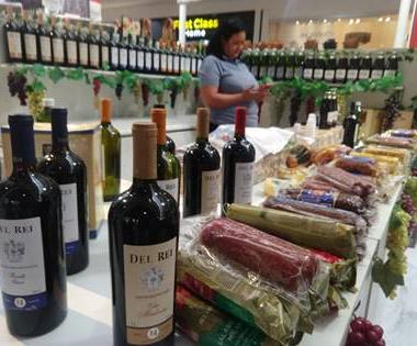 Os alimentos e bebidas também fazem muito sucesso créditos: Vc Vahle